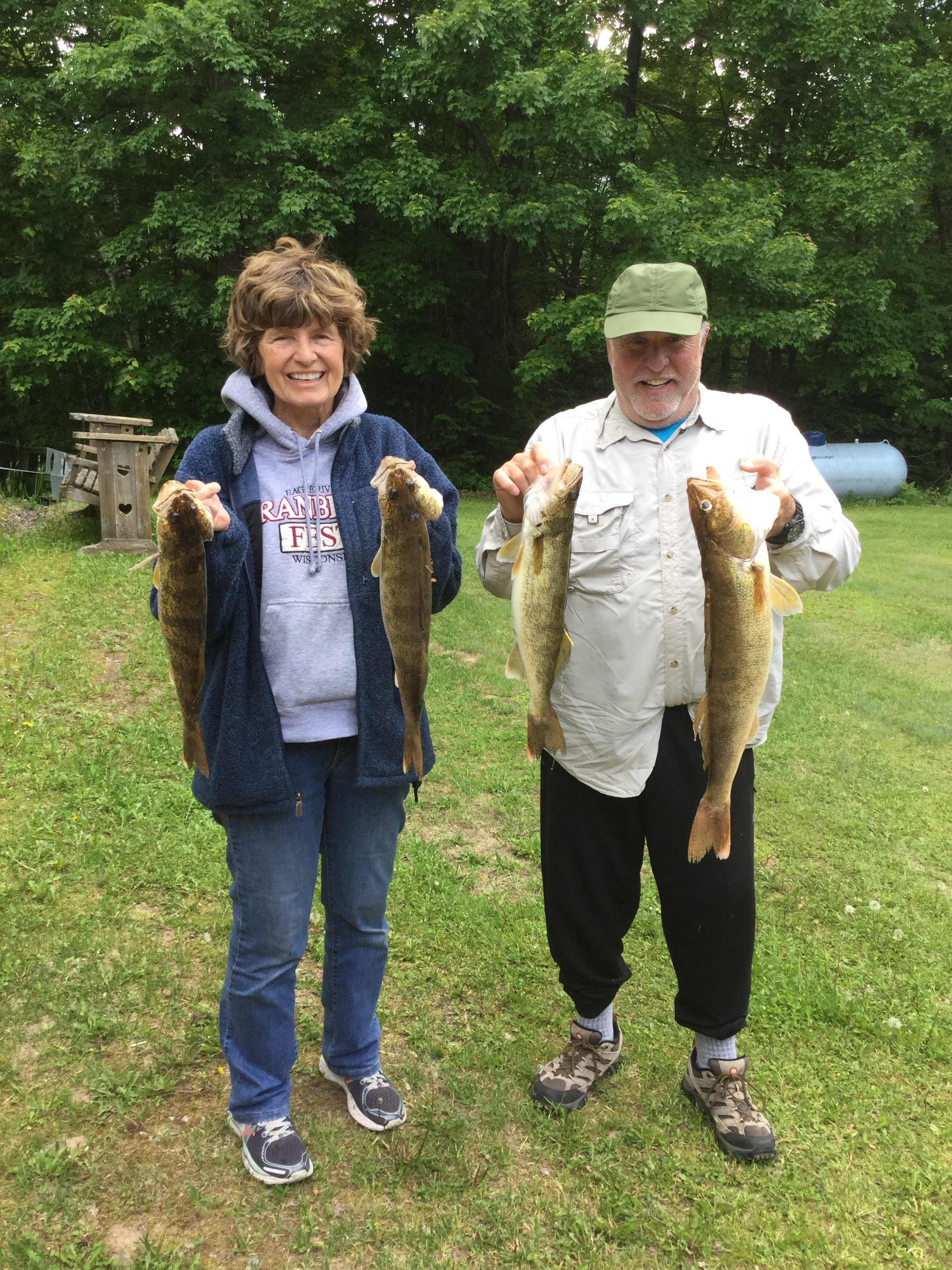 couple-holding-catch